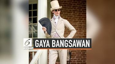 Seorang pria asal Inggris, Zack Pinsent, berpakaian ala bangsawan abad ke-19. Ia mengenakan pakaian tersebut sehari-hari.