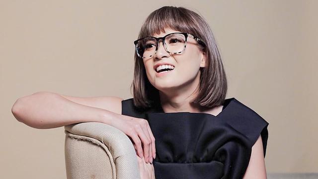 FOTO: Gaya Chika Jessica Saat Pakai Kacamata, Makin Memukau