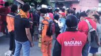 Tiba di Palu, relawan Baguna langsung bantu Basarnas. (Liputan6.com/Putu Merta Surya Putra)