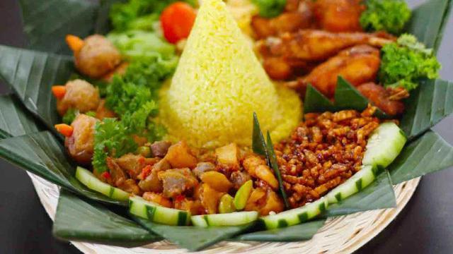 9 Resep Nasi Kuning Untuk Syukuran Mudah Dibuat Hot Liputan6 Com