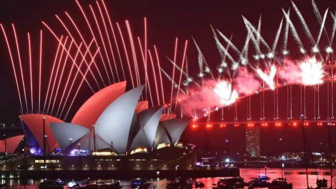 Kembang api malam tahun baru 2019 di Sydney (AFP PHOTO)