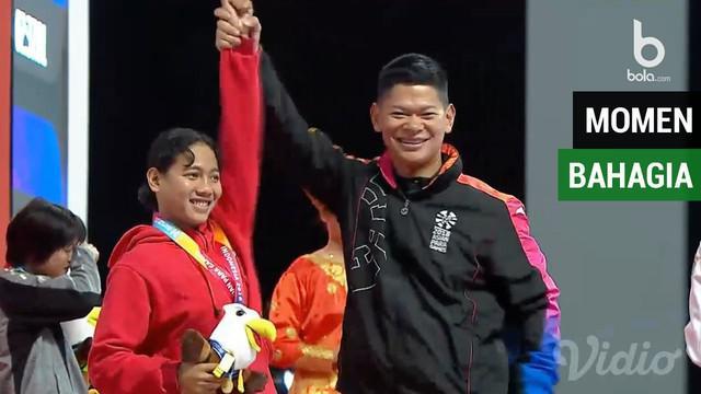 Berita video momen ketua INAPGOC Raja Sapta Hadi menyerahkan medali emas kepada perenang putri Indonesia, Syuci Indriani.
