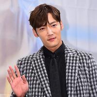 Choi Jin Hyuk (Soompi)