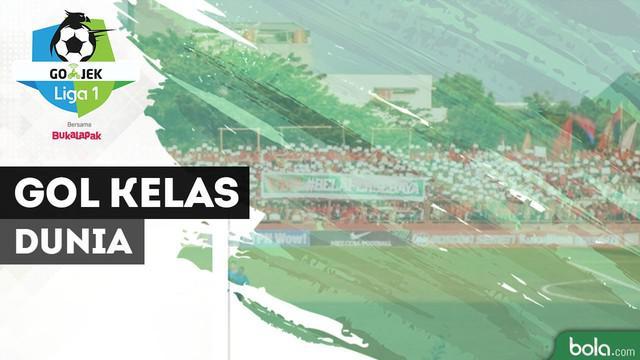 Striker Mitra Kukar, Fernando Rodriguez Ortega mencetak gol spektakuler saat menghadapi PSM Makassar