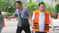 Terdakwa kasus korupsi proyek e-KTP Setya Novanto tiba di gedung KPK untuk menjalani pemeriksaan lanjutan, Jakarta, Senin (26/03). Setya Novanto diperiksa sebagai saksi atas dua tersangka kasus korupsi e-KTP. (Merdeka.com/Dwi Narwoko)