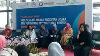 Ombudsman Republik Indonesia menyatakan dua Bandara usungan PT Angkasa Pura II (Persero) telah ramah lingkungan bagi pengguna jasa disabilitas.