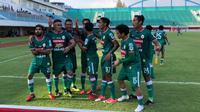 PSS Sleman pesta gol dalam laga bertajuk Derbi DIY dalam lanjutan Grup Timur Liga 2 2018. Menjamu tetangga, PSIM Yogyakarta di Stadion Maguwoharjo, Rabu (10/10/2018). (Bola.com/Ronald Seger)