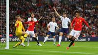 Pemain Spanyol, Rodrigo Moreno, membobol gawang Inggris yang dikawal Jordan Pickford. (dok. UEFA)