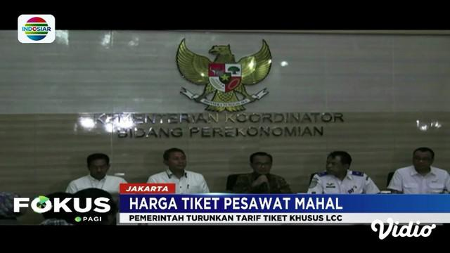 Pemerintah memutuskan turunkan tarif tiket penerbangan murah (low cost carrier) khusus pada hari, jam tertentu, serta kursi terbatas.