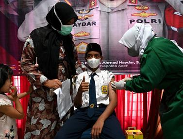 FOTO: Pelajar SMP di Blang Bintang Jalani Vaksinasi COVID-19