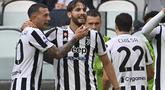 Manuel Locatelli yang tampil apik pada pertandingan kali ini, mencetak gol perdananya buat Juventus. (AFP/Alberto Pizzoli)