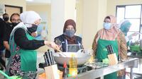 Menaker Ida Fauziyah usai membuka Program Pelatihan Tanggap Covid-19 dalam rangkaian kegiatan May Day 2020 di BLK Lembang, Jawa Barat, Sabtu (2/5/2020).