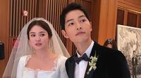 Song Joong Ki dan Song Hye Kyo menikah setelah mereka bermain dalam Descendants of the Sun. Pasangan ini merupakan salah satu pasangan artis Korea Selatan yang fenomenal. (Foto: koreaboo.com)