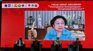Presiden ke-5 Republik Indonesia, Megawati Soekarnoputri mengajak seluruh elemen bangsa untuk bergotong royong dalam menghadapi ancaman bencana alam yang sewaktu-waktu bisa terjadi.