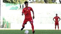 Gelandang Arema FC, Jayus Hariono. (Bola.com/Iwan Setiawan)