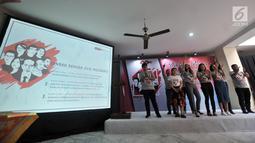 Relawan Jokowimotion membacakan deklarasi dukungan terhadap Jokowi-Ma'ruf Amin melalui 'Sumpah Pemuda Jilid Milenial' di Jakarta, Minggu (28/10). (Merdeka.com/Iqbal S. Nugroho)