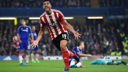 Pemain Southampton Graziano Pelle merayakan gol ke gawang Chelsea pada lanjutan Liga Premier Inggris di Stamford Bridge, Sabtu (3/10/2015). Chelsea kalah 1-3. Reuters / Dylan Martinez