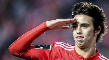 Kabar mengejutkan datang dari Atletico Madrid yang telah resmi mendatangkan Joao Felix dari Benfica dengan harga 126 juta euro. (Photo by PATRICIA DE MELO MOREIRA / AFP)