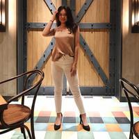 Shafa Harris, sama seperti gadis remaja pada umumnya yang selalu memerhatikan penampilan. Ia juga mengoleksi item fashion yang kekinian yang pastinya sangat mendukung penampilannya sehari-hari. (Instagram/shafaharris)