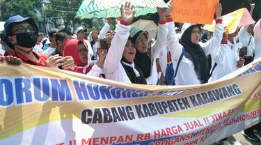 Demo tenaga honorer di KemenpanRB (Foto Mamat Liputan6.com)