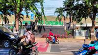 Sebanyak 21 tenaga medis Rumah Sakit Ciremai diminta untuk isolasi mandiri lantaran salah satu pasien PDP Covid-19 meninggal dunia dan tidak jujur saat diperiksa. Foto (Liputan6.com / Panji Prayitno)