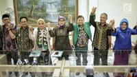 Anggota Dewan Pertimbangan Presiden, Suharso Monoarfa (ketiga kanan) pasca ditunjuk sebagai Plt Ketum PPP menggantikan Romahurmuziy alias Romy di DPP PPP Jakarta, Sabtu (16/3).  (Liputan6.com/Faizal Fanani)