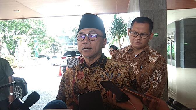 Ketua Umum PAN sekaligus Pimpinan MPR Zulkifli Hasan membesuk Menko Polhukam Wiranto di RSPAD, Sabtu (12/10/2019).(Merdeka.com/ Nur Habibie)