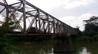 Jembatan Klawing, jejak peninggalan kolonial membangun kerajaan bisnis perkebunan tebu atau 'Suikerfabriek' di Purbalingga dan Banjarnegara. (Foto: Liputan6.com/Muhamad Ridlo).