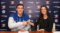 Bek Chelsea, Andreas Christensen, menandatangani kontrak baru di Chelsea. (Chelsea).