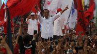 Capres nomor urut 01 Jokowi saat menggelar kampanye di lapangan Stadion Sriwedari Solo.(Liputan6.com/Fajar Abrori)