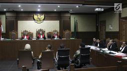 Suasana sidang lanjutan terdakwa korupsi pengadaan dan pelaksanaan pembangunan kampus IPDN Sumbar di Kab Agam TA 2011, Dudy Jocom di Pengadilan Tipikor Jakarta, Rabu (12/9). (Liputan6.com/Helmi Fithriansyah)