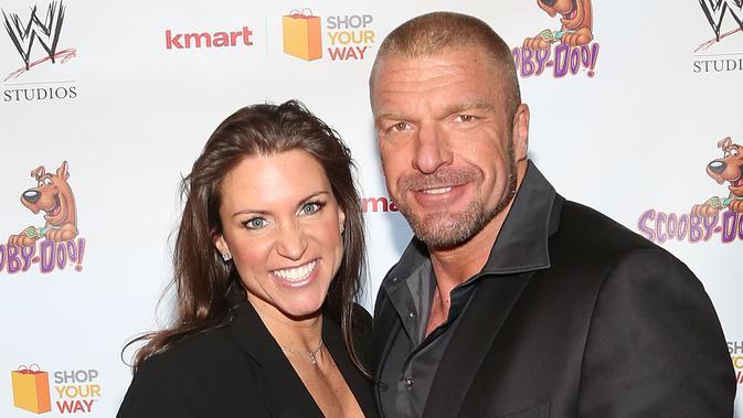 Terkenal Sangar, Undertaker Rupanya Mak Comblang Kisah Asmara Triple H dengan Anak Bos WWE