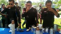 Bupati Bengulu Tengah Ferry Ramli mengajak banyak pihak untuk ngopi bersama sambil membahas masalah kopi di Bengkulu. (Liputan6.com/Yuliardi Hardjo)