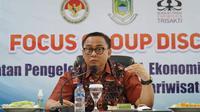 Sekretaris Kementerian Koperasi dan UKM Rully Indrawan dalam acara Focus Group Discussion (FGD) bertema penguatan pengelolaan UMKM, ekonomi kreatif, dan koperasi di sektor pariwisata, di Kabupaten Kuningan, Rabu (2/12/2020). (Foto: Kemenkop)