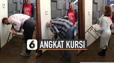 Belakangan viral sebuah video tantangan angkat kursi sambil bungkuk. Kabarnya aksi itu hanya bisa dilakukan kaum hawa.