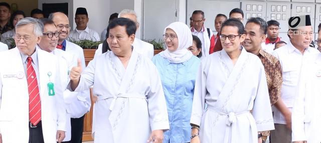 Waketum Partai Gerindra, Fadli Zon menyebut pembentukan tim pemenangan Prabowo-Sandi masih berlangsung. Beberapa nama tokoh diprediksi akan mengisi posisi juru bicara tiom.