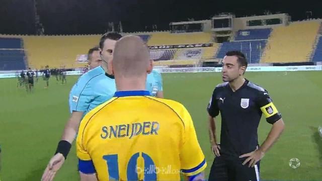 Legenda Barcelona, Xavi menutup sinar mantan pemain Inter Milan, Wesley Sneijder kala klub baru kedua bintang Eropa ini bertemu di...