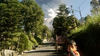Gunung Merapi kembali meletus pada Jumat pagi (1/6/2018) (foto: BNPB)