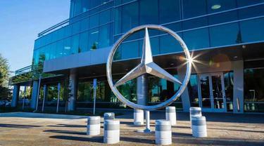 Daimler akan lepas 25 diler di Inggris dan Eropa untuk menutupi keuangannya