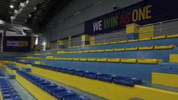 Suasana tribun venue bulutangkis SEA Games 2019 di Muntinlupa Sports Center, Manila, Sabtu (23/11). Cabang bulutangkis akan mulai bertanding pada Minggu (1/12). (Bola.com/M Iqbal Ichsan)