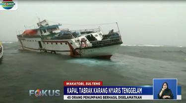 Seluruh penumpang yang berjumlah 45 orang dapat diselamatkan.