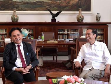 Keakraban Jokowi dan Yusril Ihza Mahendra di Istana Bogor