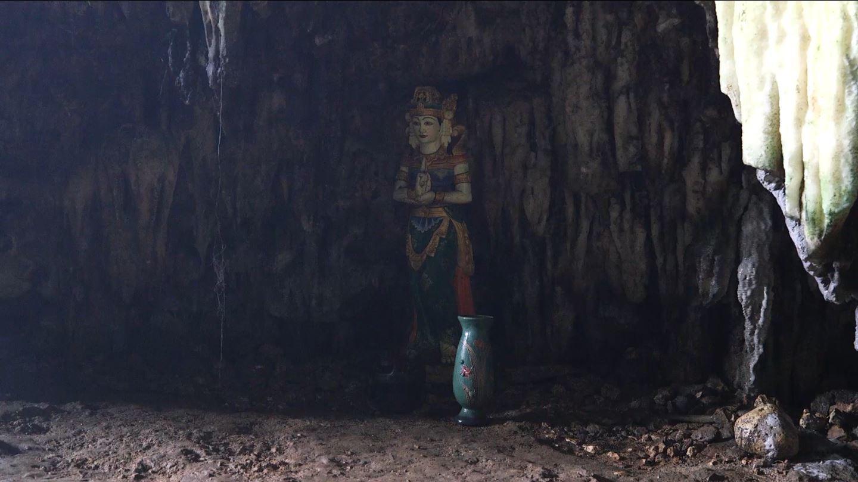 Patung Ratu Kidul di Dalam Gua Langse (Liputan6.com/Balgoraszky Arsitide Marbun)
