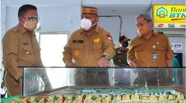 Gubernur Guontalo Rusli Habibie bersama Wali Kota Gorontalo  Marten Taha saat meninjau RSUD Aloisaboe.Foto: Dok Kominfo (Arfandi Ibrahim/Liputan6.com)