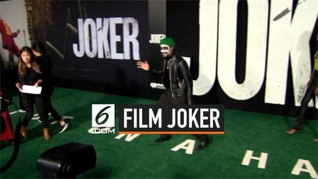 Film Joker pertama kali tayang di Los Angeles, AS pada Sabtu (28/9) waktu setempat. Dalam penayangannya terlihat Joaquin Phoenix sang pemeran Joker serta aktor aktris lain.