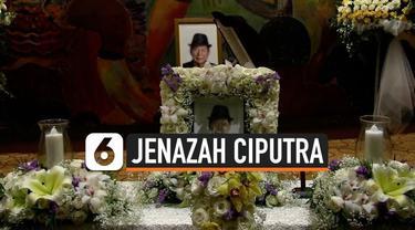 Jenazah Almarhum Ciputra tiba di Indonesia Rabu (27/11) malam. Jenazah disemayamkan di Ciputra Artpreneur dan akan dimakamkan di pemakaman keluarga di Jonggol, Jawa Barat.