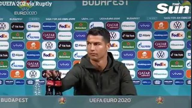 Heboh Cristiano Ronaldo Singkirkan Botol Soda Sponsor Euro 2020, Apa Saja  Menu Diet Hariannya? - Lifestyle Liputan6.com