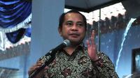 Menteri Desa, Pembangunan Daerah Tertinggal dan Transmigrasi, Marwan Jafar memberikan pidato saat blusukan perdananya di Kabupaten Lebak, Banten, Rabu (5/11/2014) (Liputan6.com/Johan Tallo)