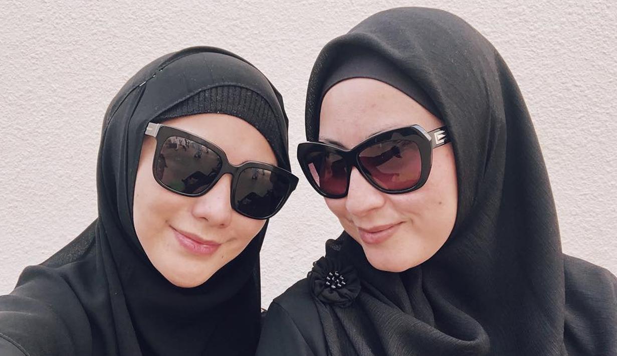 Foto Pesona Citra Kirana Saat Memakai Kacamata Hot Liputan6 Com