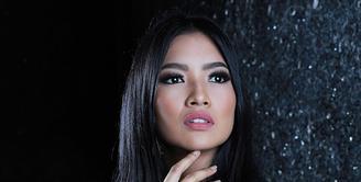 Perjuangan Anindya Kusuma Putri setelah dinobatkan menjadi Putri Indonesia 2015 tidaklah berakhir begitu saja. Ajang Miss Universe 2015 harus diikutinya setelah menjuarai Putri Indonesia 2015, ia sempat menghadapi kendala. (Galih W. Satria/Bintang.com)